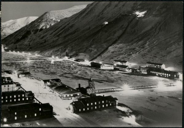 Longyear City, capital of Svalbard, 1958 photo